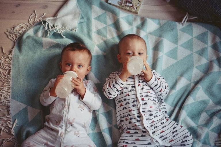El mejor cochecito doble para gemelos