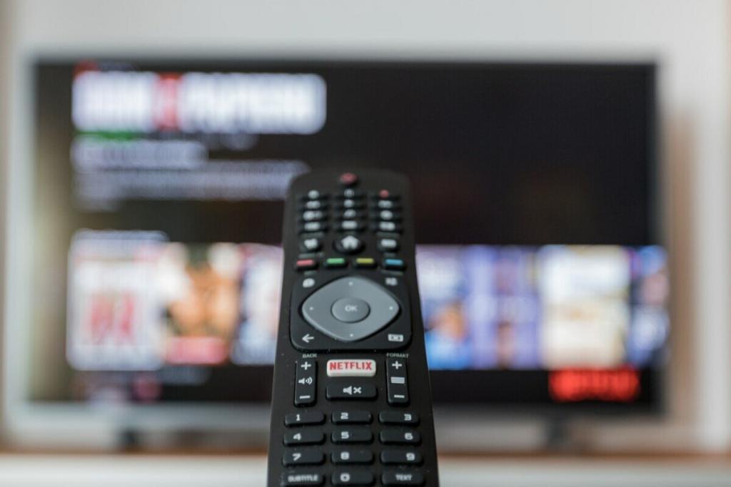 ¿Cómo escuchar mejor el diálogo del televisor y mejorar el sonido?